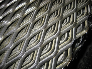 Galvanized Steel / Aluminium Expanded Metal Mesh Panels Plain Weave Perforated Tech