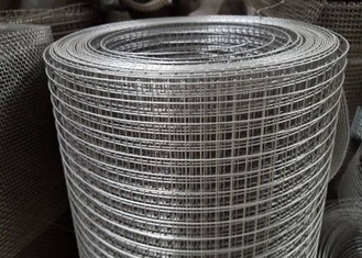 Electro Galvanized Welded Wire Mesh Spot Welding For Agricultural Fence Panel
